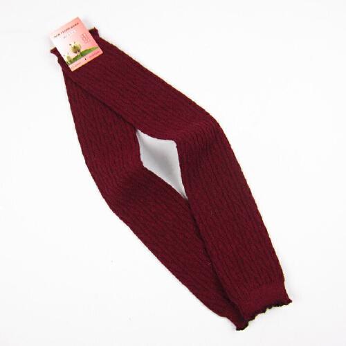 枣红色袜子搭配图片