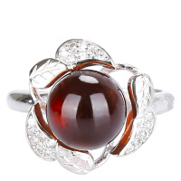 戴和美 精选天然琥珀蜜蜡 S925银镶嵌镶血珀时尚戒指(附鉴定证书)