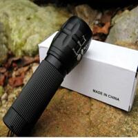铝合金强光伸缩调焦三档变焦手电筒包邮 装三节7号电池
