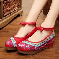 秋冬老北京女布鞋新款坡跟民族风绣花鞋加厚底广场舞跳舞鞋单鞋